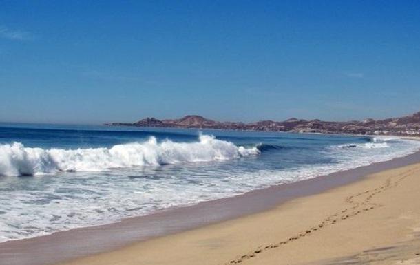 В Мексике на пляже расстреляли туристов