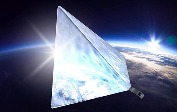 Запущенный на пожертвования россиян спутник сломался на орбите