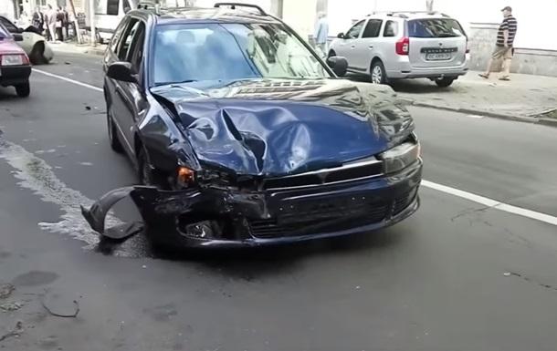 Масштабное ДТП в Киеве: столкнулись четыре авто