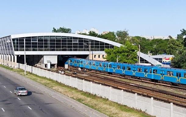 В Киеве на станции метро умер мужчина