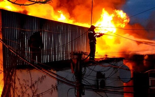 Пожар уничтожил восемь дачных домов на Одесчине