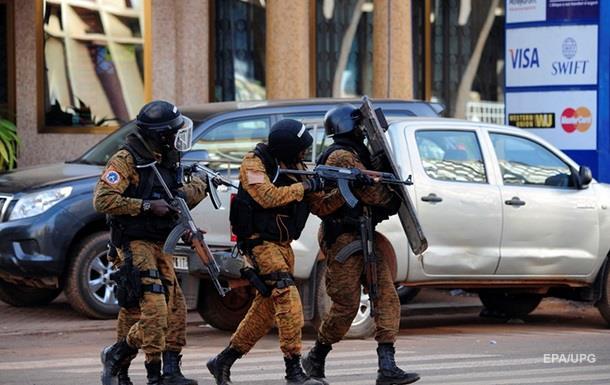 В Буркина-Фасо джихадисты устроили стрельбу в кафе