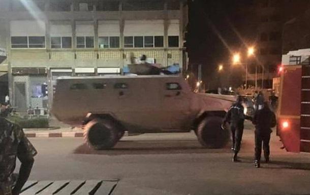 Розстріл кафе в Буркіна-Фасо: 17 людей загинули