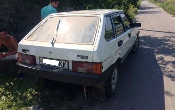 Под Киевом водитель с почти смертельной дозой алкоголя сбил двух пешеходов