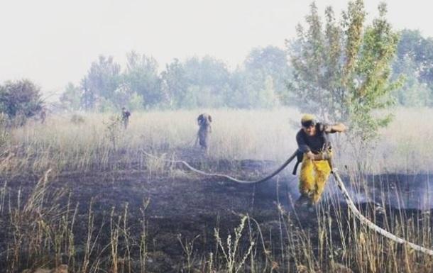 Під Горлівкою через обстріл виникла велика пожежа