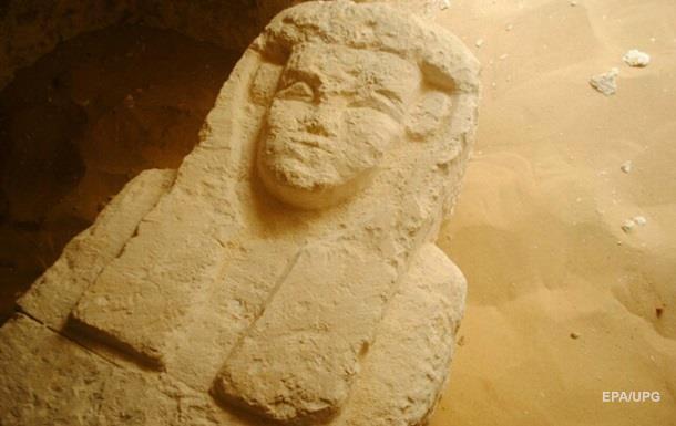 В Египте нашли три древних гробницы