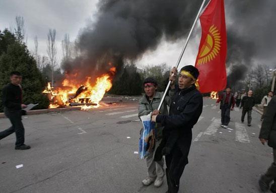 В октябре в Кыргызстане пройдут выборы президента.