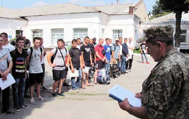На Харьковщине глава райцентра ушел в армию