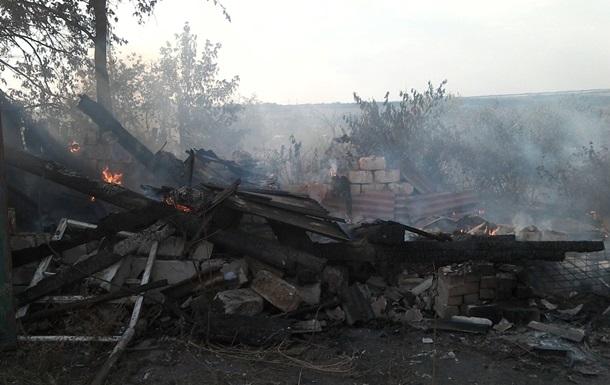 Обстріл Зайцевого: згоріло житло місцевих жителів