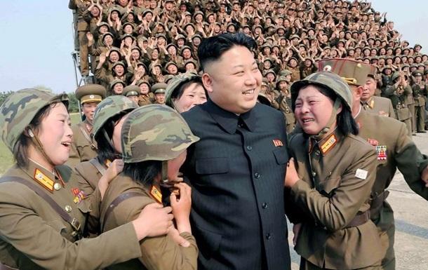 Кім Чен Ин наказав збільшити випуск ракетних двигунів