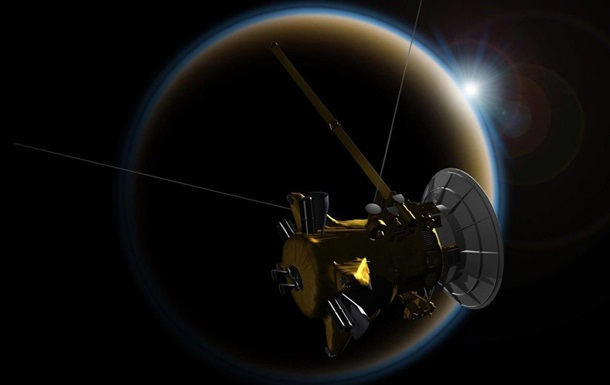 NASA показало впечатляющие фото Сатурна
