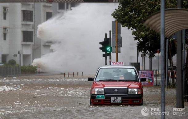 На південь Китаю налетів потужний тайфун