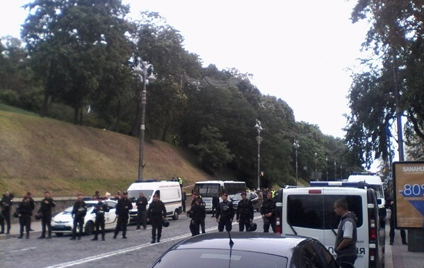 Полиция расследует взрыв в Киеве как покушение