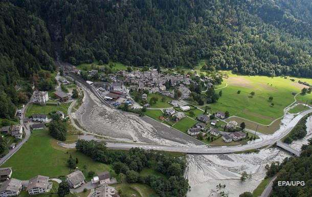 У швейцарських Альпах вісім людей зникли безвісти після зсуву
