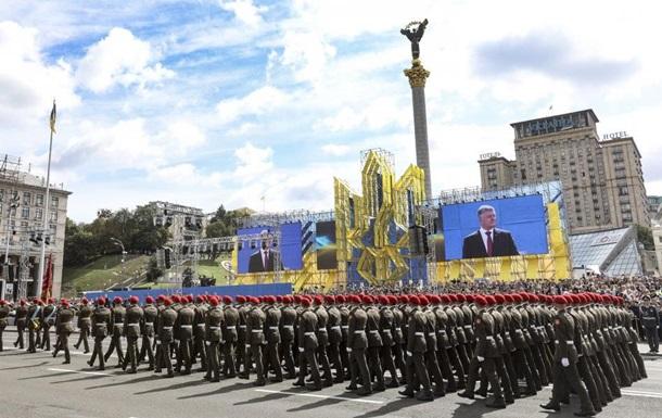 Порошенко объяснил участие солдат НАТО в параде