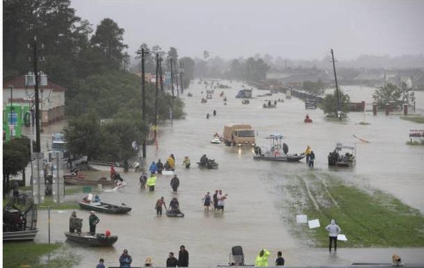 Хьюстон ушел под воду. Как ураган опустошает Техас