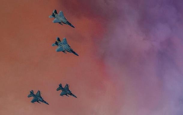 У Литві приземлилися сім американських винищувачів
