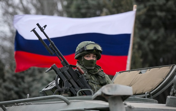 Киев оценил количество военных РФ в Крыму