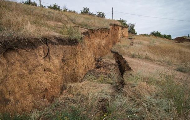 Масштабный оползень под Одессой сняли с дрона