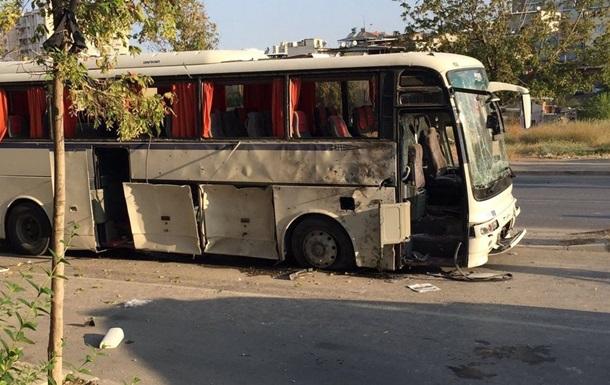 В турецком Измире взорвали автобус