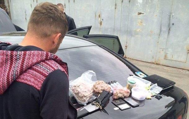 В Киеве суд арестовал полицейского-наркодилера