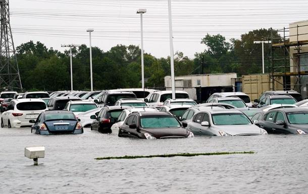 Наслідки Харві: кількість загиблих зростає, ураган рухається вглиб материка