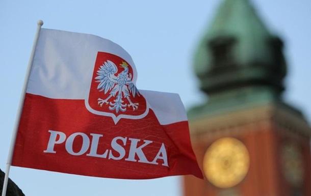 У Польщі офіційно працює майже 300 тисяч українців