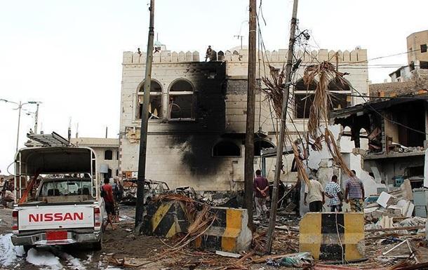 В Йемене произошел теракт, погибли семь военнослужащих