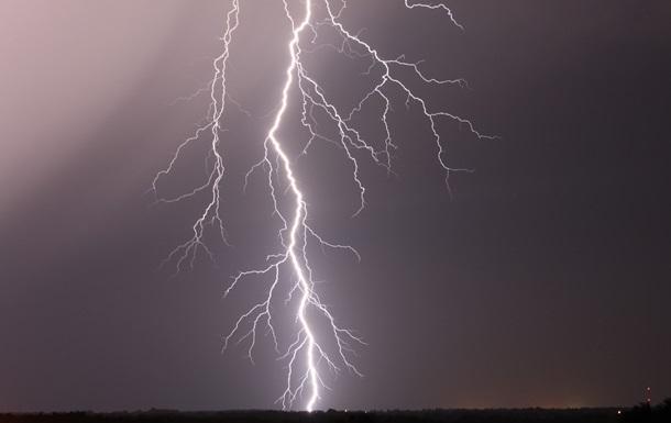 15 осіб постраждали від удару блискавки у Франції
