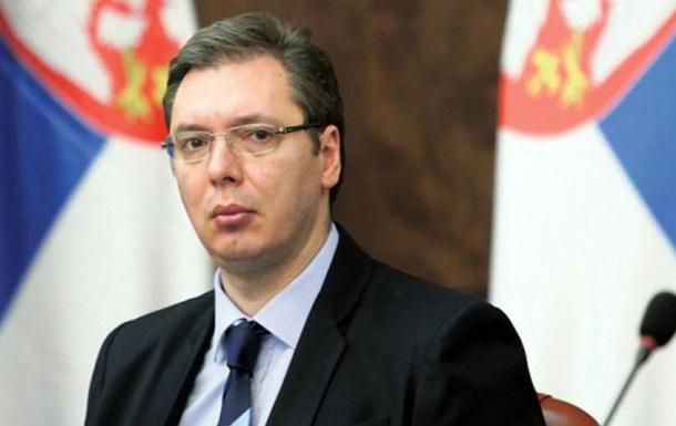 У Сербії Bentley протаранив кортеж Вучича
