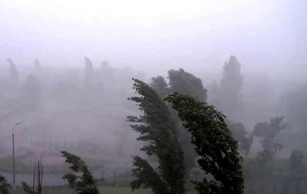 В Украине из-за непогоды без света почти 200 сел