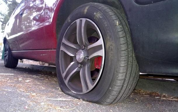 В России мужчина проколол колеса у 31 машины