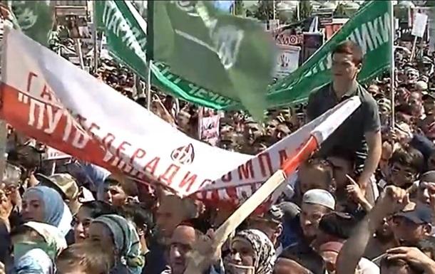 В Грозном прошел масштабный митинг в защиту мусульман Мьянмы