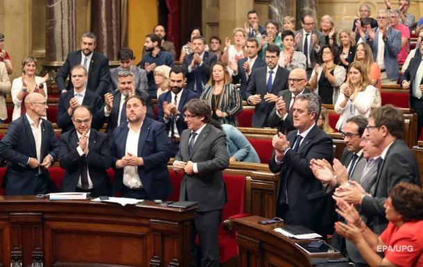 Лидер Каталонии подписал закон о созыве референдума о независимости