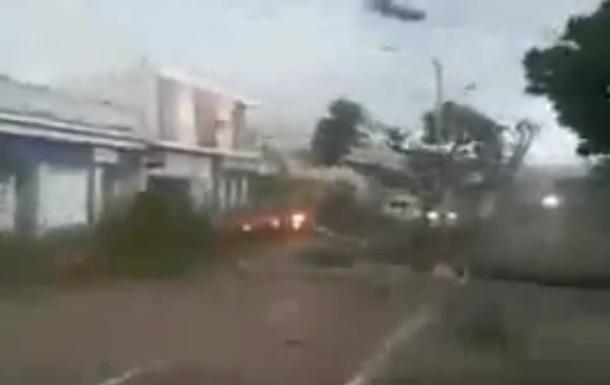 Блогер налякав Мережу фейковим відео урагану  Ірма