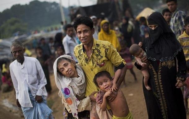ООН: 270 тисяч рохінджа втекли до Бангладеш за два тижні