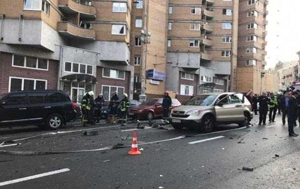 Взрыв в Киеве: пострадавшей грозит ампутация ноги
