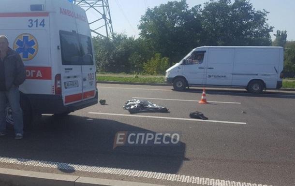 У Києві під колесами маршрутки загинув велосипедист