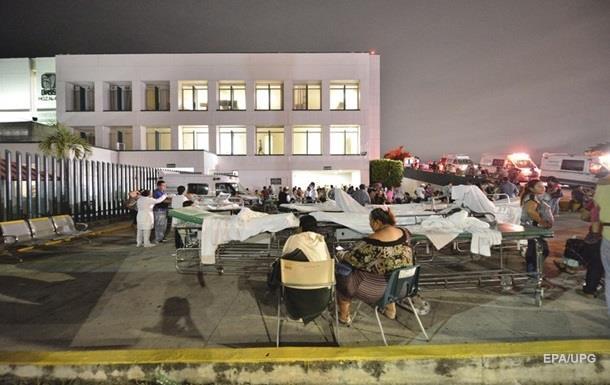 В Мексике растет число жертв мощного землетрясения