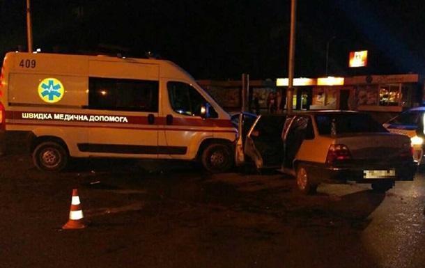 У Харкові зіткнулися швидка і Daewoo, є постраждалі