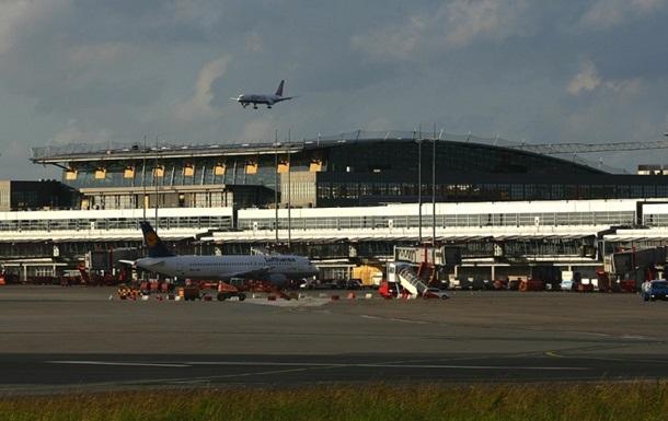 В Германии массово отменяют авиарейсы из-за эпидемии у пилотов
