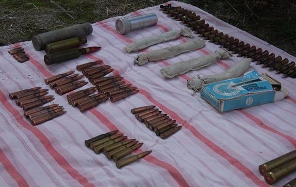 В Сумах пенсионерка принесла в полицию сумку боеприпасов