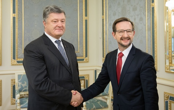 Порошенко і генсек ОБСЄ обговорили введення миротворців ООН на Донбас