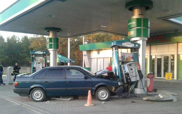 На Луганщине пьяный водитель врезался в АЗС