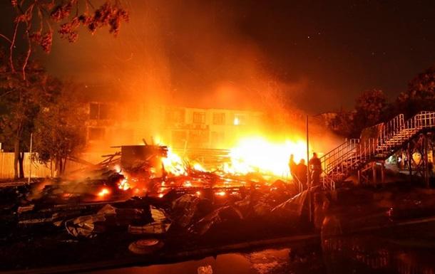 У директора лагеря, где в пожаре погибли три девочки, остановилось сердце