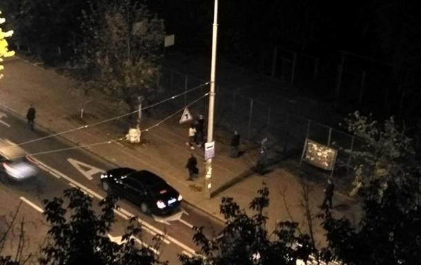 У Києві помітили на прогулянці Яценюка з Гройсманом