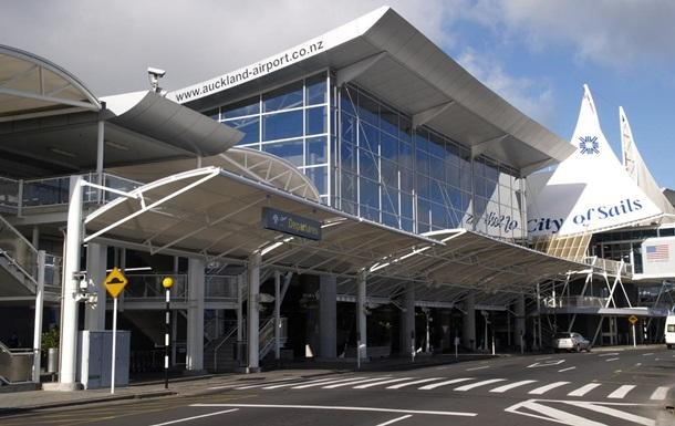 Аэропорт Окленда отменяет авиарейсы из-за проблем с топливом