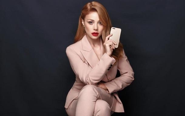 Тіна Кароль стала обличчям бренду Huawei в Україні