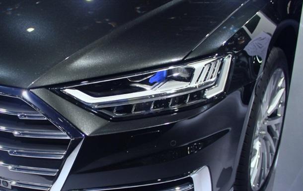 Audi Q8: фото