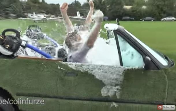 Энтузиаст превратил авто в гидромассажную ванну